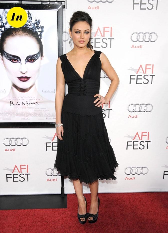 La robe corsetée longueur midi de Mila Kunis en Novembre 2010 !