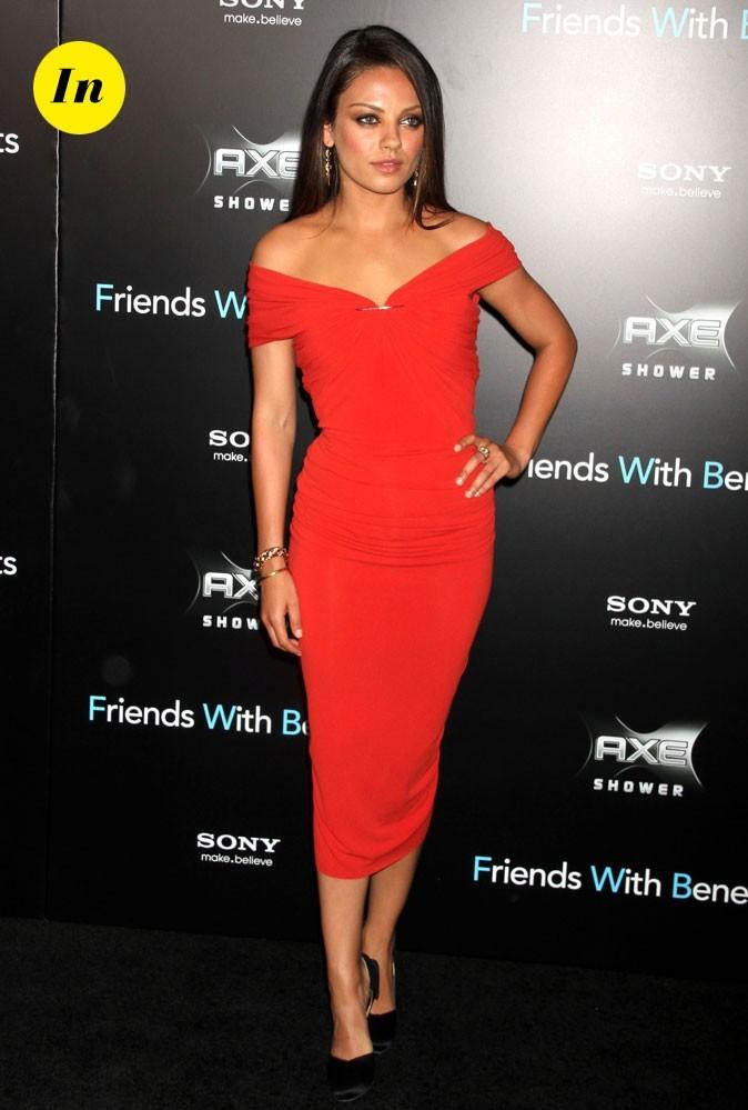 La robe fourreau rouge Lanvin de Mila Kunis en Juillet 2011 !