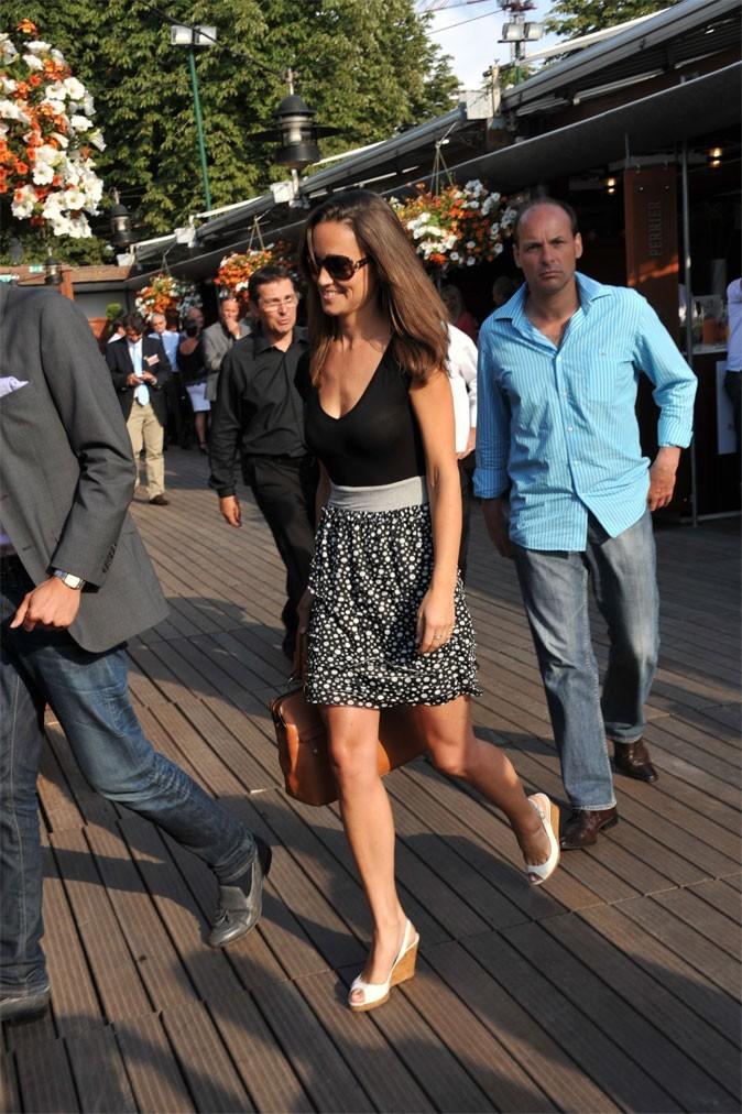 Le look chic de Pippa Middleton en mai 2011 à Roland-Garros