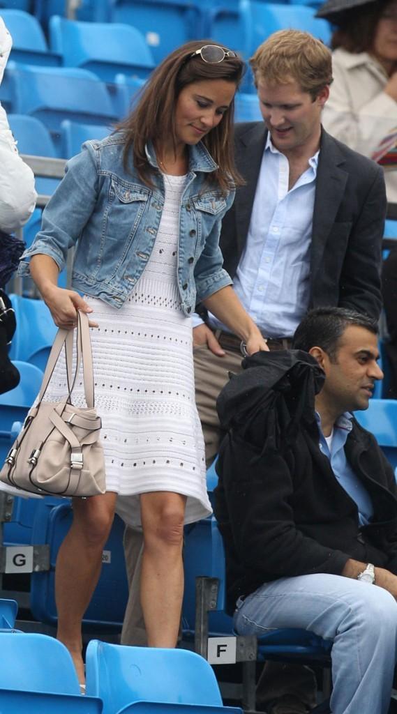 Le look jean + crochet de Pippa Middleton en juin 2011