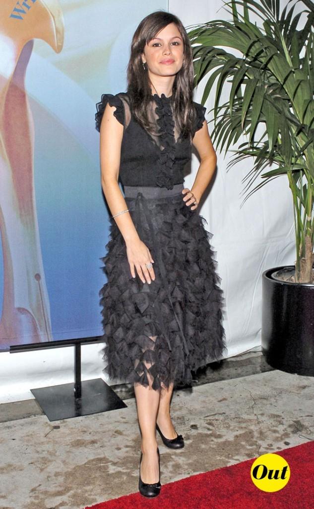 La robe à froufrous de Rachel Bilson en Février 2005 !