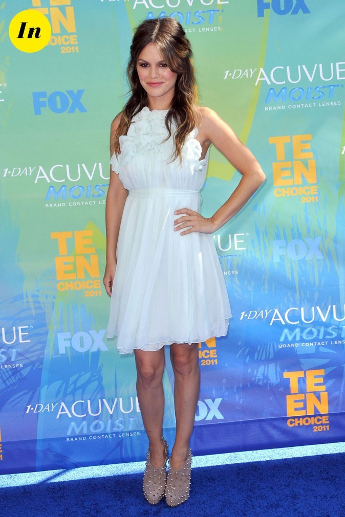La robe blanche romantique Chloé de Rachel Bilson en Août 2011 !