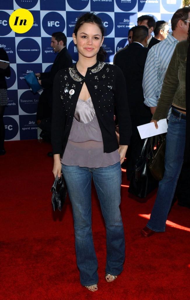 La veste brodée de Rachel Bilson en Février 2004 !