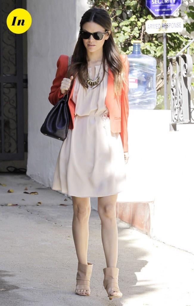 La veste orange Vanessa Bruno et les open-toe Margiela de Rachel Bilson en Février 2011 !