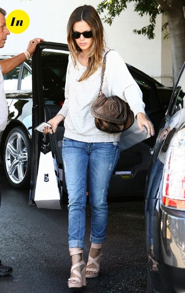 Le look casual et le sac Chanel de Rachel Bilson en Septembre 2010 !