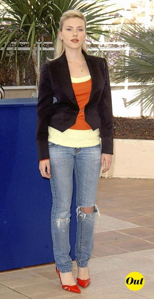 Scarlett Johansson en 2005 : un jean destroy et des escarpins pointus