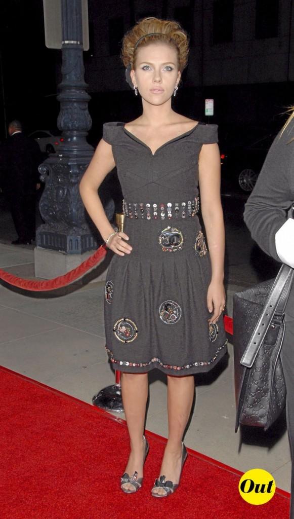Scarlett Johansson en 2006 : une robe noire trop basique
