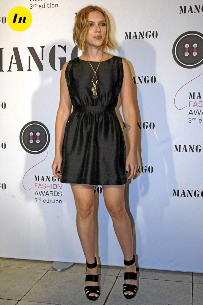 Scarlett Johansson en 2010 : une petite robe noire basique chic