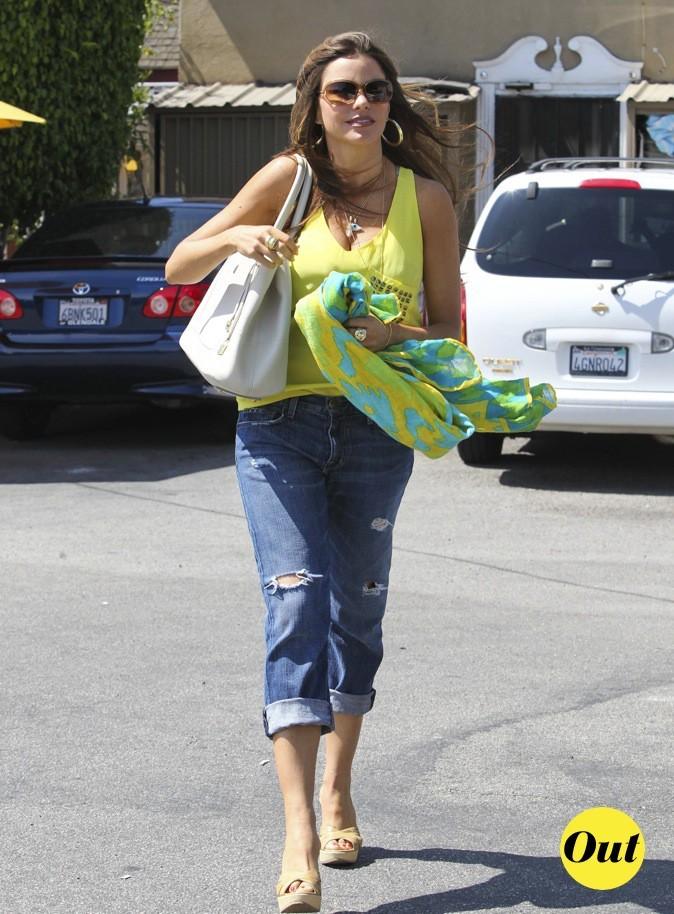 Août 2011 : Sofia Vergara se balade dans les rues de Santa Monica !