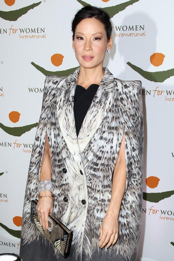 Looks de star : découvrez le CV fashion de Lucy Liu, une fan inconditionnelle de l'imprimé !