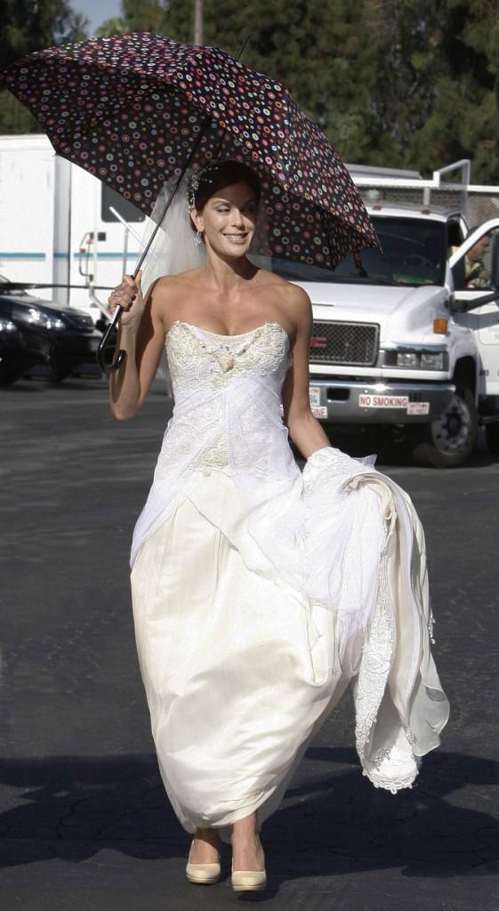 Looks de Teri Hatcher : une robe de mariée mythique dans Desperate Housewives !