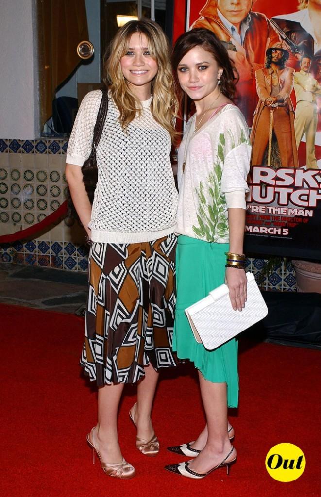 Les jupes fluides longueur midi des soeurs Olsen en Février 2004 !