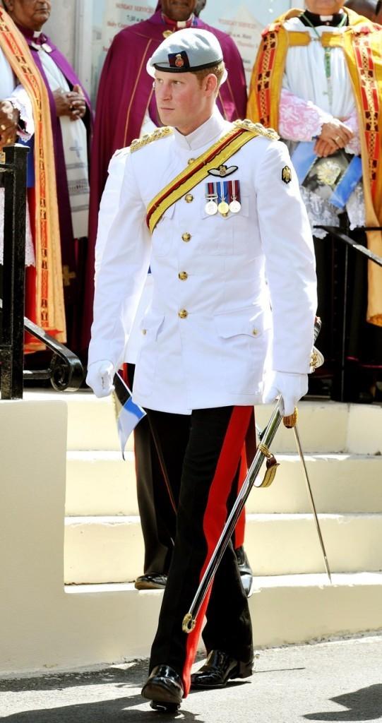 Il porte le costume traditionnel !