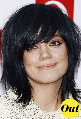 Coiffure tendance hiver 2011 : la coupe de cheveux carré effilé de Lily Allen