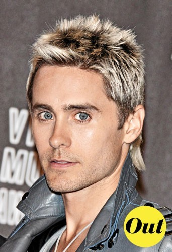 Mode homme 2011 : la coiffure queue de rat de Jared Leto