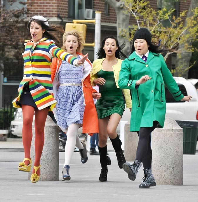 Glee : les looks bariolés des filles !