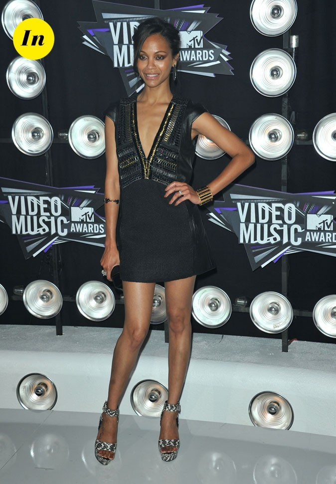 Le look de Zoe Saldana aux MTV Video Music Awards 2011 : une robe en cuir Barbara Bui