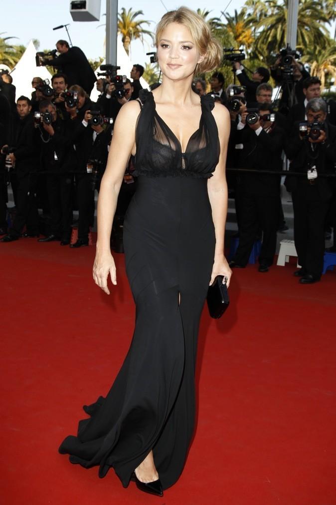 A Cannes en 2012, elle nous montre son décolleté !
