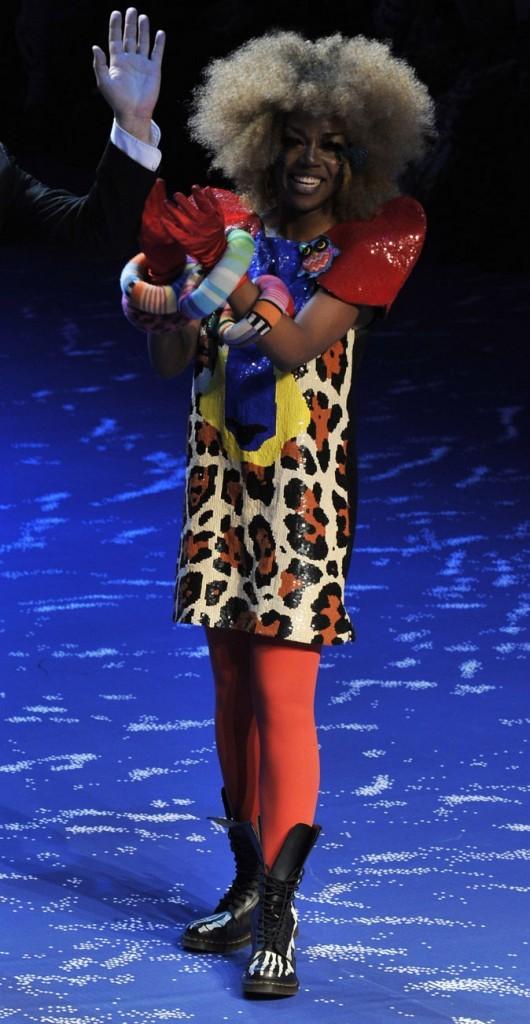 La it girl 2011 Ebony Bones : tribale poursuite