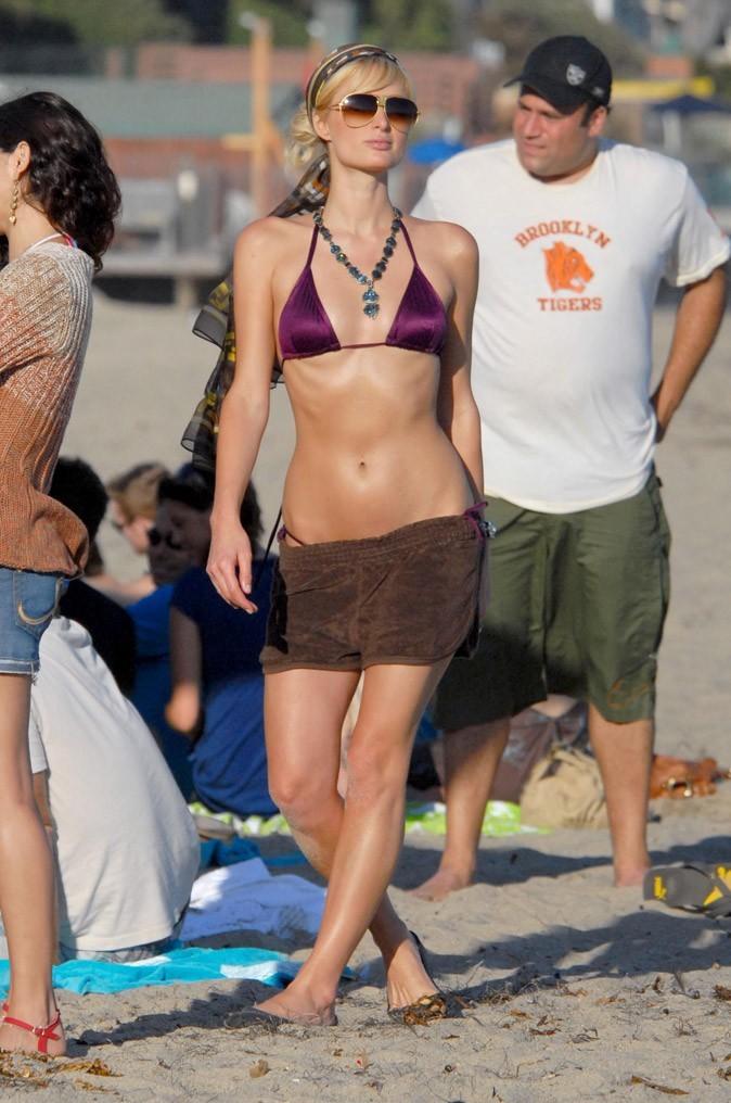 Le bikini violet de Paris Hilton !