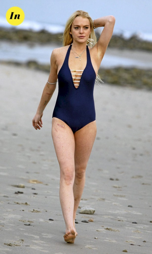 Photo : le maillot de bain marin de Linsday Lohan à la plage !
