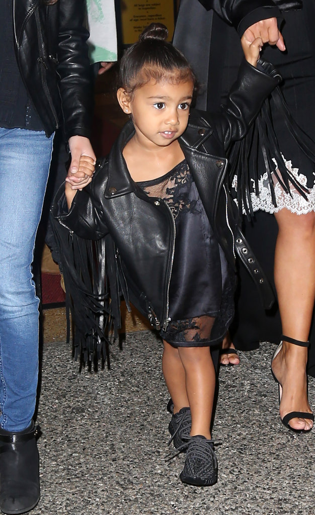 Photos : North West : entre fourrures et sac griffés... Découvrez le CV Fashion d'une enfant de luxe !