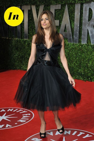Oscars 2011 : la robe de danseuse d'Eva Mendes