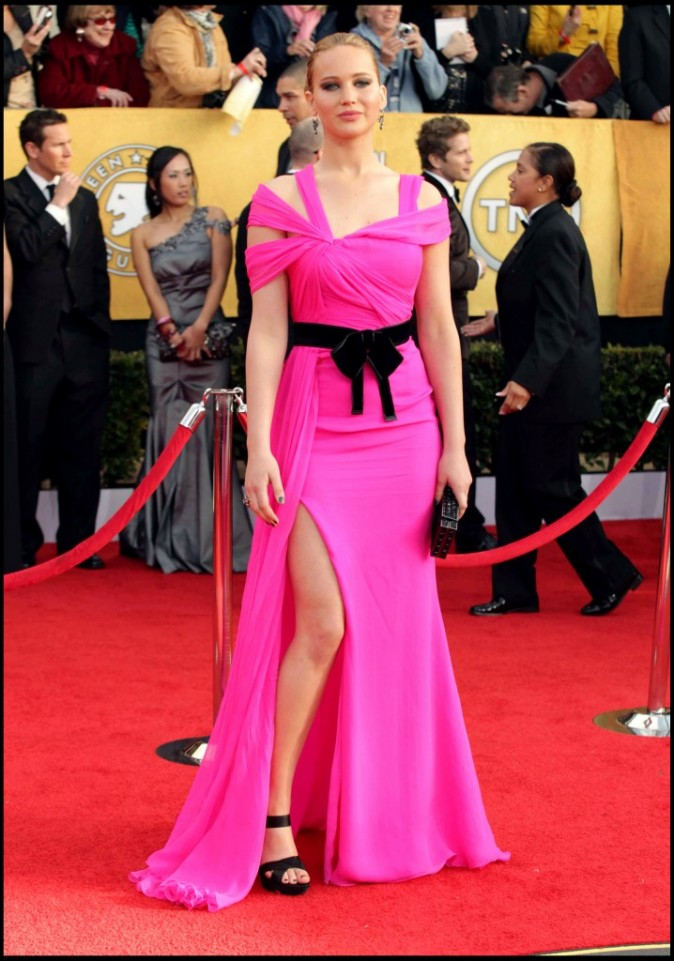 2011: Toute de rose vêtue pour la 17ème cérémonie des Actors Guild Awards !