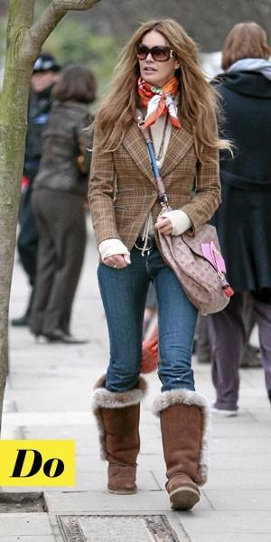 Comment porter les Moon Boots :  le look tendance d'Elle McPherson