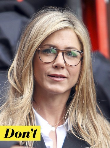 Les lunettes rétro de Jennifer Aniston: don't !