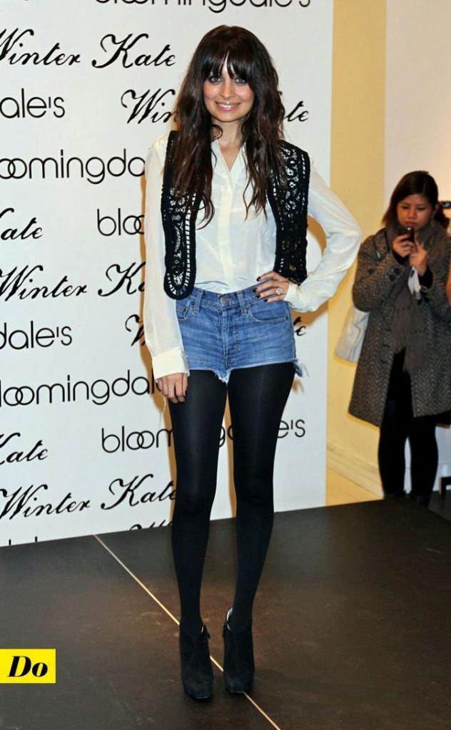 Look de Nicole Richie : un short en jean déchiré et des collants opaques !
