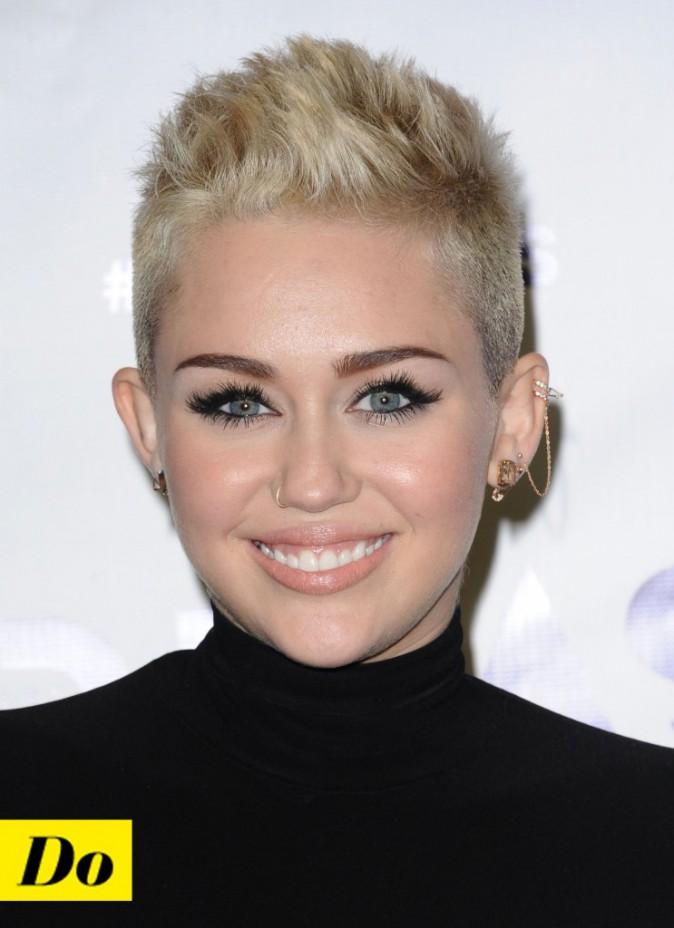 Do : l'anneau tout fin et fashion de Miley Cyrus
