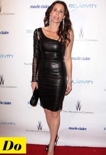 Minnie Driver et sa robe en cuir asymétrique