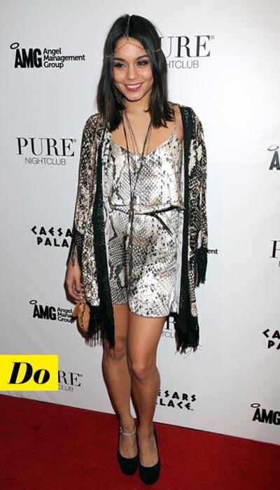 Parfaite la coupe de la robe Blu Moon de Vanessa Hudgens !