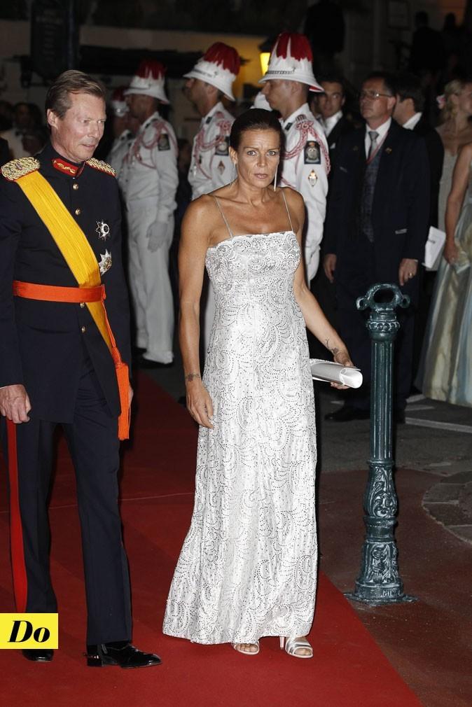 Mariage de Charlene Wittstock et Albert de Monaco : le look de Stéphanie de Monaco le soir !