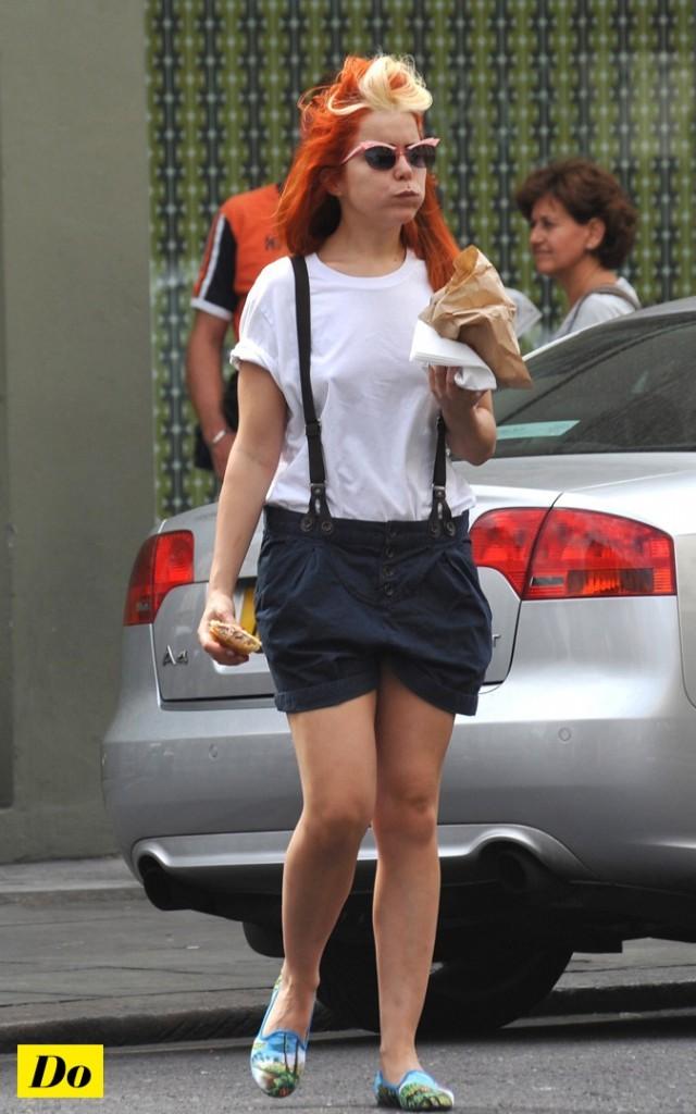 Paloma Faith en mode slippers des tropiques !