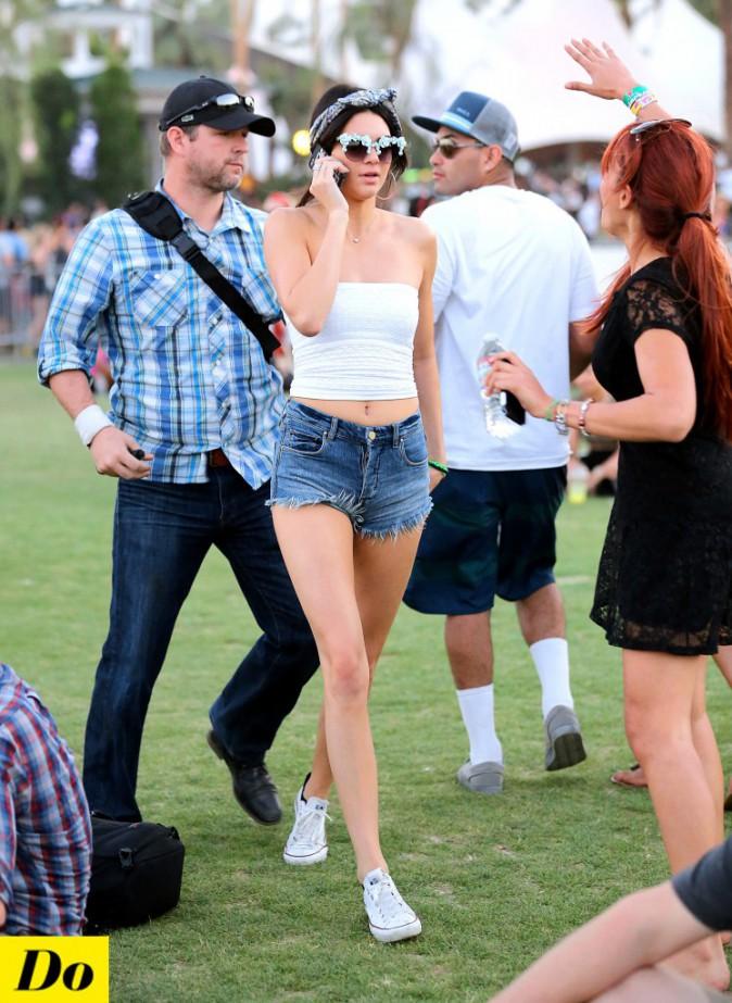 La jeune Kendall Jenner a commencé le festival tout en fleur !