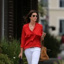 Cindy Crawford mixe blanc et rouge !