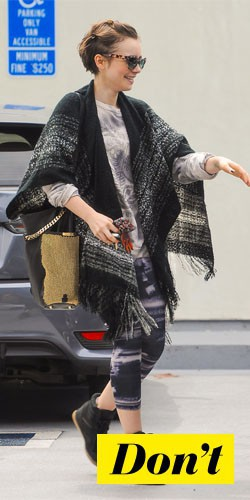 Don't : Lily Collins et son poncho