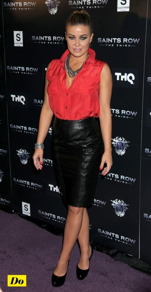 Carmen Electra : en rouge et noir !