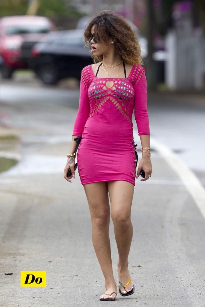 A Hawaï, Rihanna moule son corps de bomba!