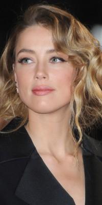 Amber Heard : sublime avec un beauty look doux et romantique !