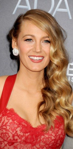 Beauty look ultra glamour pour la jeune maman, Blake Lively !