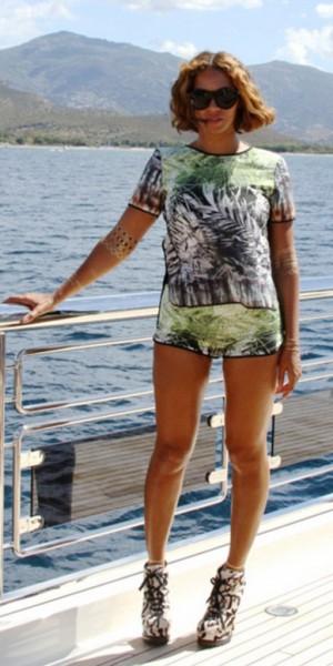 Beyoncé : féline et tropicale pour un nouveau look du jour !