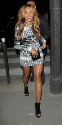 Beyoncé VS Mel B : qui porte le mieux la robe Balenciaga ?