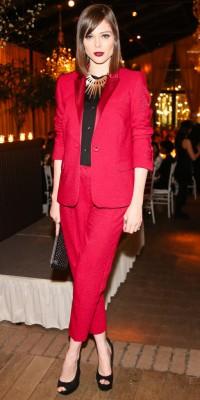 Coco Rocha : elle ose le total look rouge... et ça déchire !