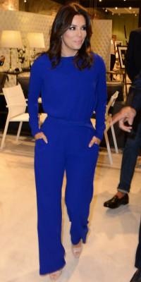 Eva Longoria : elle ose la combinaison bleue ! Chic ou cheap ?