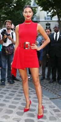 Irina Shayk VS Rita Ora, elles imposent le full red !