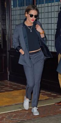 Kristen Stewart : elle assure avec un look boyish, mais féminin !