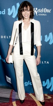 Milla Jovovich : où shopper son total look blanc en moins cher ?